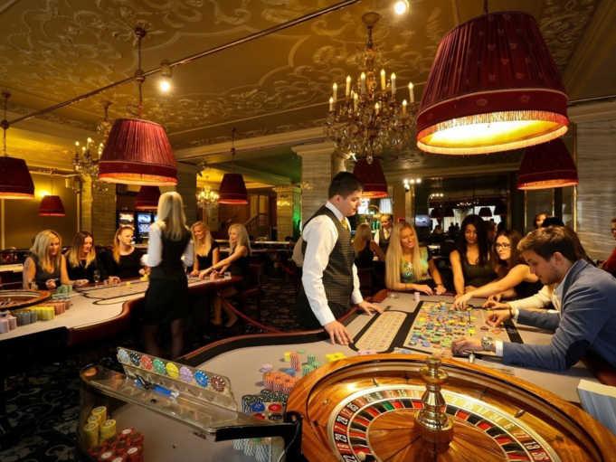 казино елена без регистрации